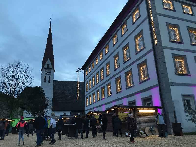 Schloss Fügen im Zillertal - im Advent mit dem Weihnachtsmarkt im Zillertal