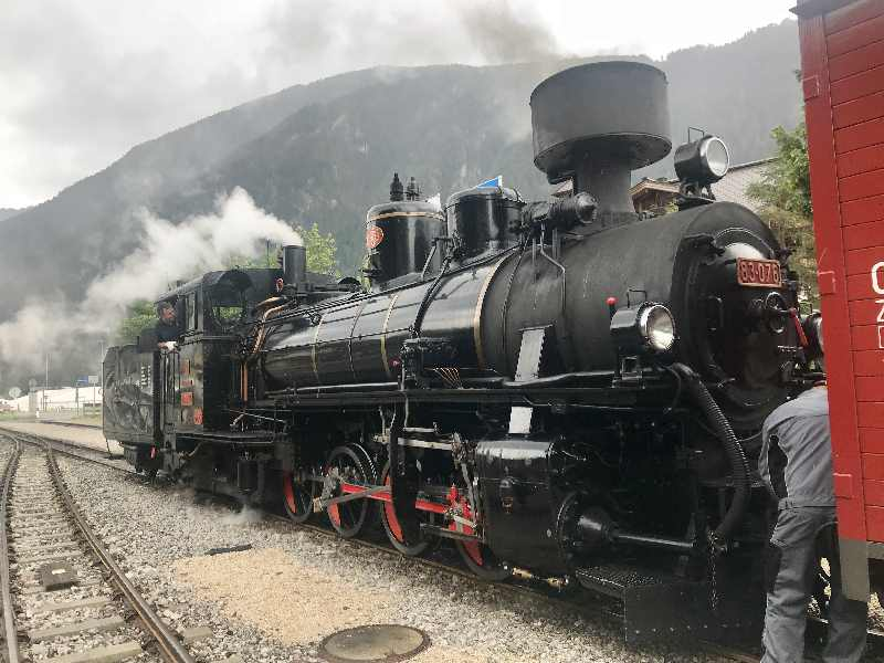 Sehenswürdigkeiten Mayrhofen - der Dampfzug beim Rangieren