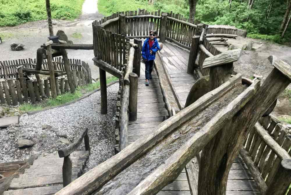 Mayrhofen Sehenswürdigkeiten für Kinder - der Brindlang Spielplatz