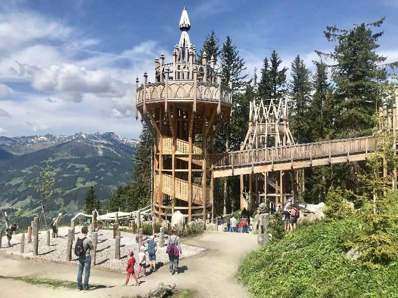 Das Fichtenschloss ist eine der Top - Sehenswürdigkeiten im Zillertal