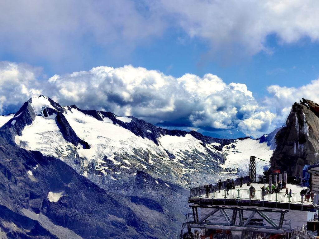 Zillertal Sehenswürdigkeiten - ganz oben auf über 3000 Metern am Hintertuxer Gletscher