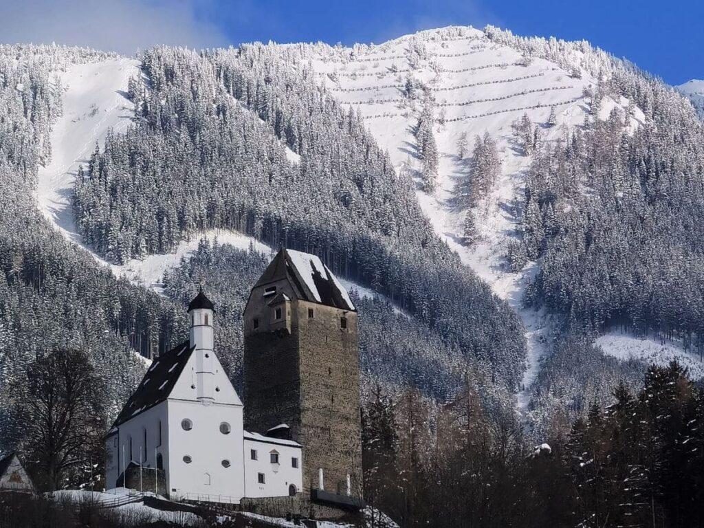 Freundsberg im Winter